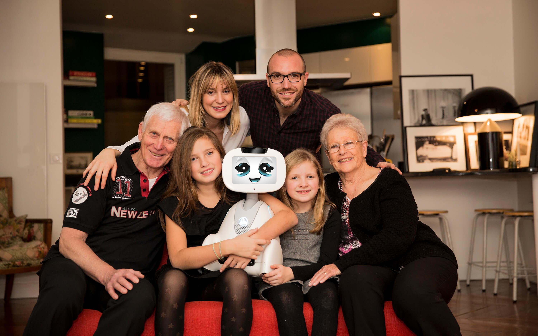 Buddy le robot émotionnel pour toute la famille